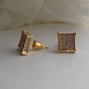 🎉SALE🎉 NEW UNISEX gold dipped- CZ earrings